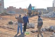 صور .. إستمرار أشغال بناء ملعب القرب بحي النهضة