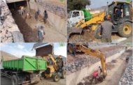 صور .. عمليات تنظيف الأودية المتواجدة بحي