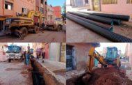 إستمرار أشغال إعادة تأهيل وترميم شبكة التطهير السائل بحي السلام وحي بوزوف