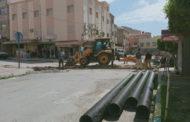 أشغال تجديد شبكة الصرف الصحي بحي السوق